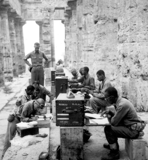 ancient-greek-temple-of-neptune-ww2